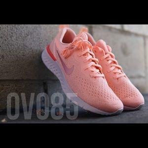 Nike Odyssey React